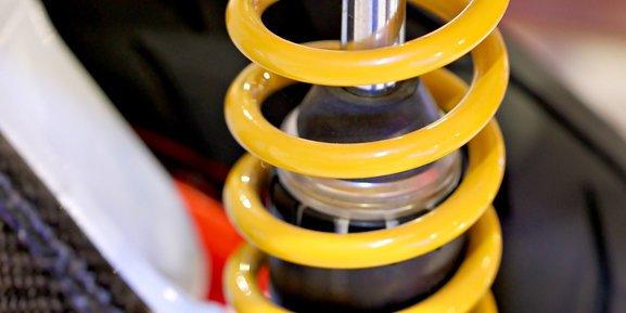 Kakovostni amortizerji povečajo vašo varnost v prometu