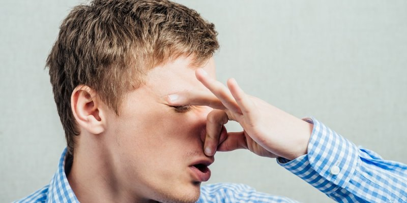 Kaj so možni vzroki za neprijetne vonjave v vašem avtomobilu?