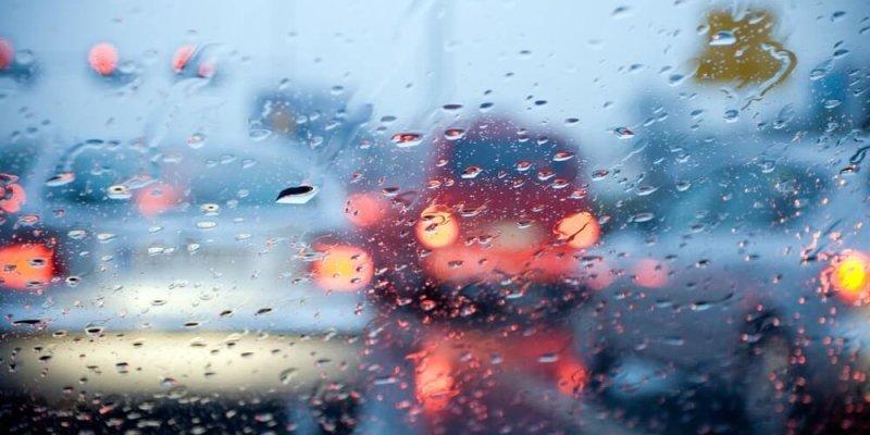 Nasveti za varno vožnjo v dežju
