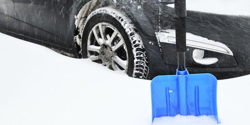 Kako zaščititi avto lak in podvozje pred vplivi zimskega vremena?