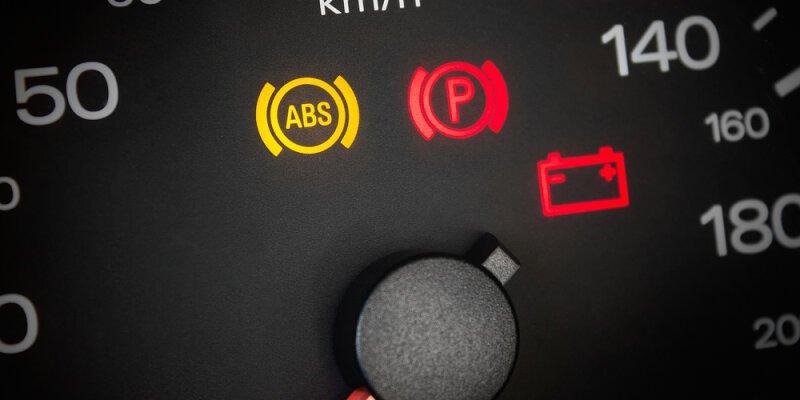 Was tun, wenn das ABS Licht leuchtet?