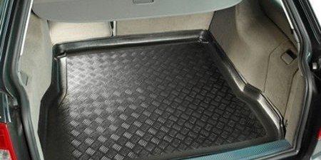 Zašto je dobro imati kadu za prtljažnik u svakom vozilu?