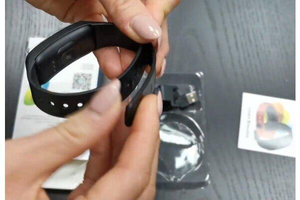 Pametna ura C1 Plus, vodoodbojna IP67, števec korakov, merilec srčnega utripa, Vijolična