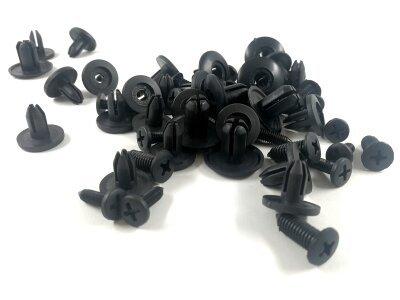 Pritrdilni set univerzalnih sponk črne barve, 50 kosov