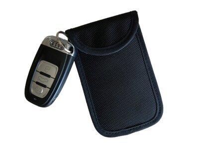 Privezak za ključeve - crni etui