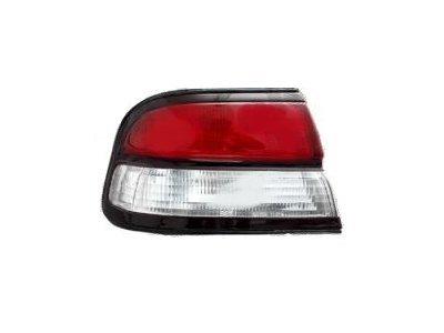 Zadnje svetlo Nissan Maxima 95-00