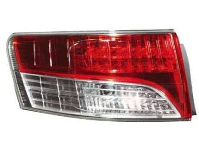 Zadnje svetlo Toyota Avensis 08- 4 vrata spoljašnji deo OEM